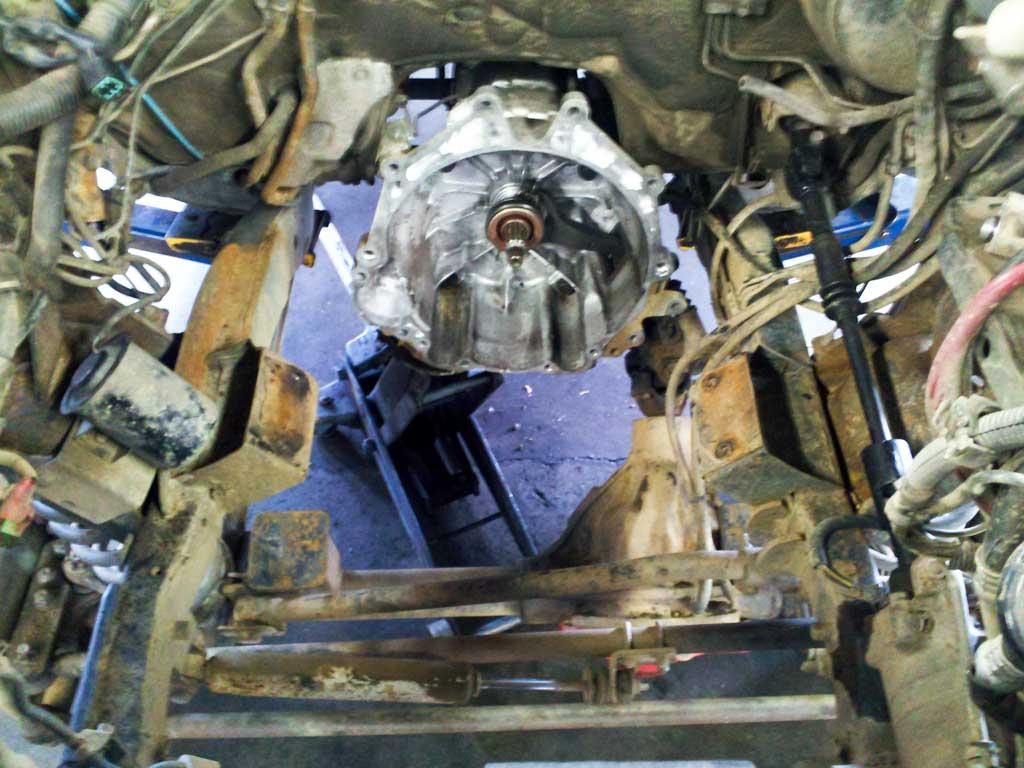 1997 mitsubishi montero sport engine bay